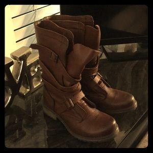 💕Steve Madden Combat Boots